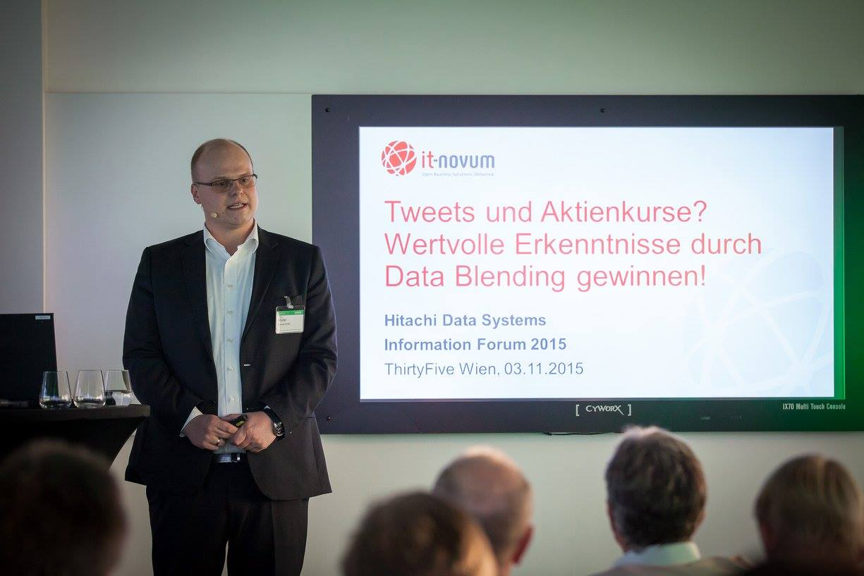 Kollege Stefan Müller zeigte die Umsetzung von Social Analytics und Data Blending mit Open Source