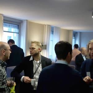 Jens Bleuel (links) und Teilnehmer auf dem Pentaho User Meeting