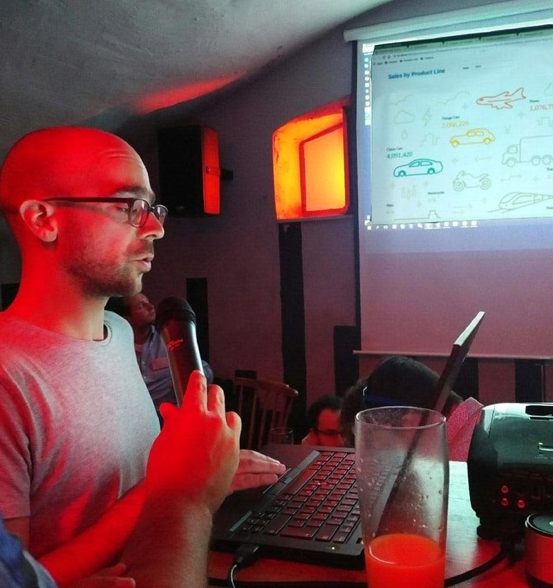João presented a new SVG component for CDE