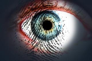 Auge mit Fingerabdruck